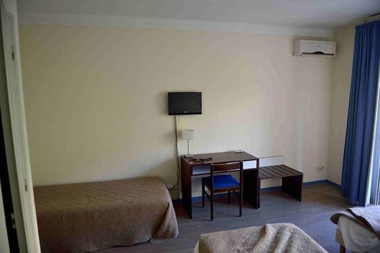 Hotel Sun Beach : La chambre