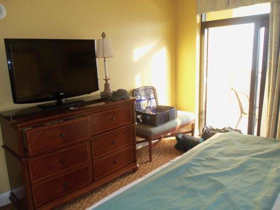 Anderson Ocean Club & Spa, Oceana Resorts: Master bedroom balcony door