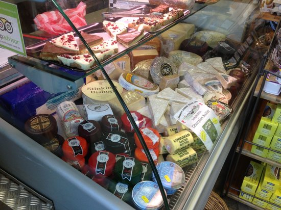 Sienna Deli: Amazing cheese counter full of delicious West Country Cheeses.....