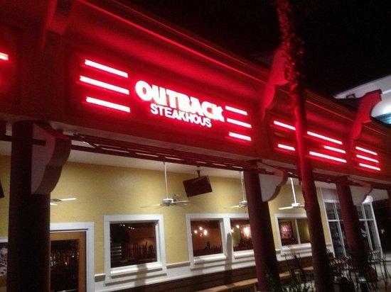 Outback Steakhouse: fachada