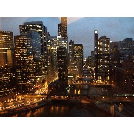 Holiday Inn Chicago Mart Plaza River North : Room view