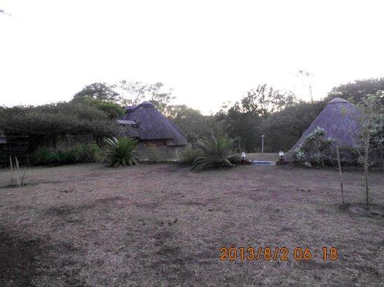 Rhino River Lodge: widok na Lodge