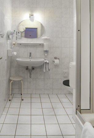 Hotel Burgschmiet: Bad