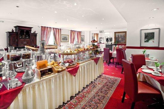 Hotel Burgschmiet: Frühstücksraum