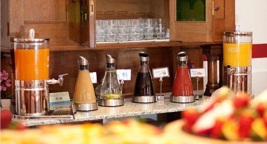 Hotel Burgschmiet: Buffet