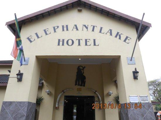 Elephant Lake Hotel: wejście