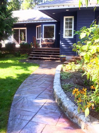 Cobble Wood Guesthouse and Bird Sanctuary House & Suites: COBBLE WOOD GUEST HOUSE