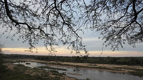 Royal Kruger Lodge : Sunset River Drive