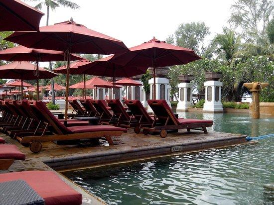 JW Marriott Phuket Resort & Spa : ร่มมากมาย