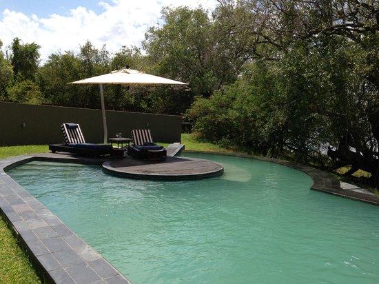 Royal Chundu Luxury Zambezi Lodges: Pool are at the main Royal Chundu Lodge
