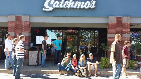 Satchmo's Bar & Grill: Bags Without Borders charity event 2013
