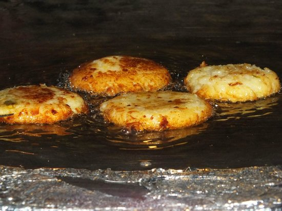 Chokhi Dhani Restaurant: the tikki that looked good and tasted very bad