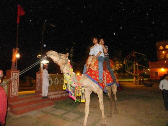 Chokhi Dhani Restaurant: camel ride
