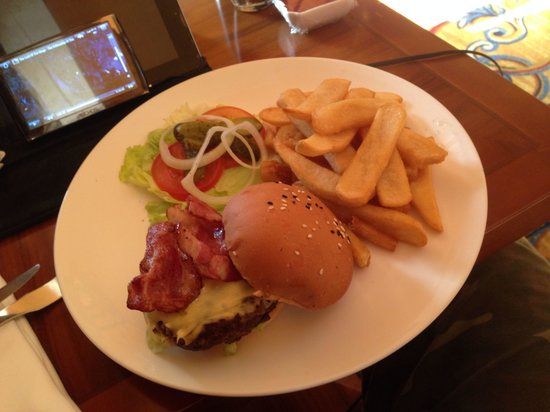 Sheraton Ningbo Hotel: Room service menu