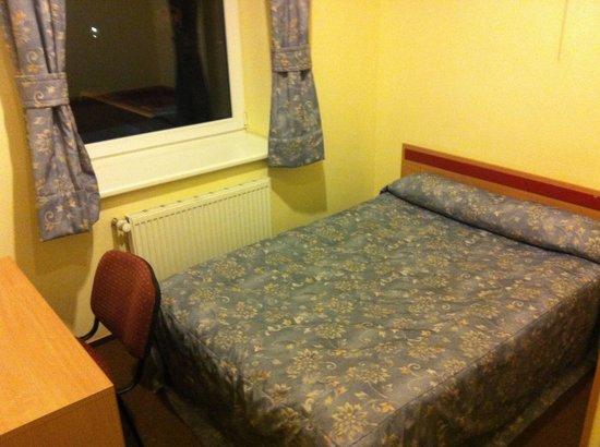 Ecotel Vilnius : Кровать двуспальная, одна штука