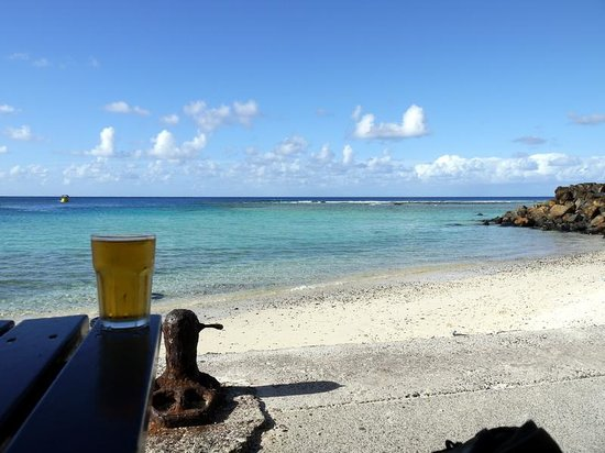 Trader Jacks: Beer with a view