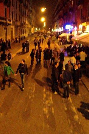 Ponte Rosso : The neighborhood on a Saturday night