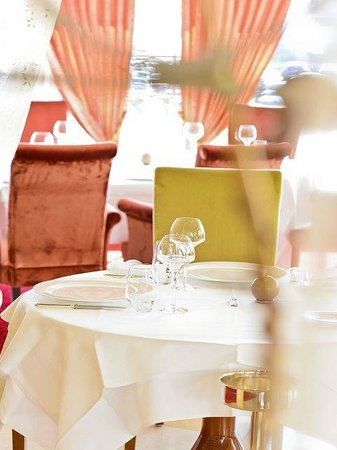 """Casino 2000 Hotel: Restaurant Gastronomique """"Les Roses"""""""