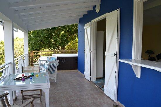 Habitation Pineau: Votre terrasse