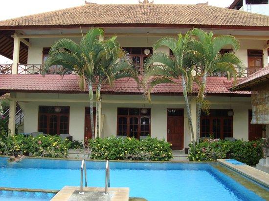 Villa Jaya: hotellet