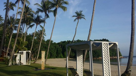 Nirwana Gardens Mayang Sari Beach Resort : Nice beach..
