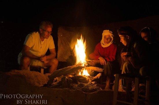 Chegaga Bivouac : feu de bois