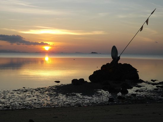 Ananda Wellness Resort: Sunset at the seaside opposite of the resort (you can also sit in a open-air cafe, to enjoy the