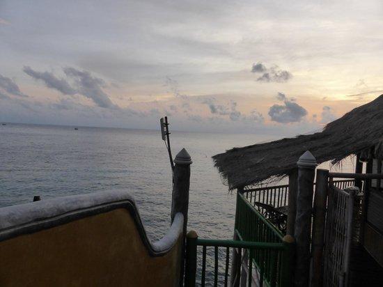 Koh Tao Bamboo Huts: La vue de la douche... en plein air