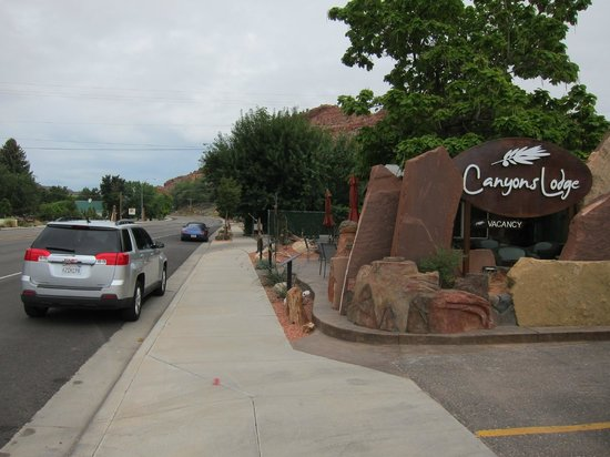 Canyons Lodge - A Canyons Collection Property: It was easy to park right in front of the lodge