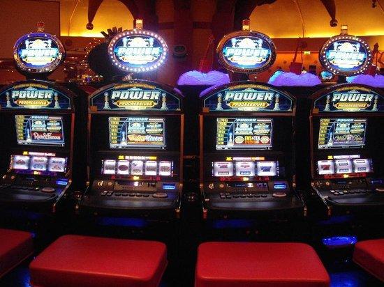 machines sous photo de casino 2000 mondorf les bains tripadvisor. Black Bedroom Furniture Sets. Home Design Ideas
