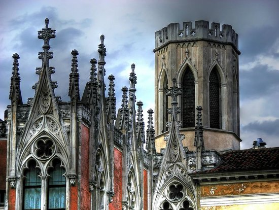 Caffe Pedrocchi : Particular of the gothic part of the building