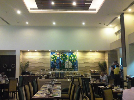Lemon Tree Premier 1, Gurugram: Restaurant