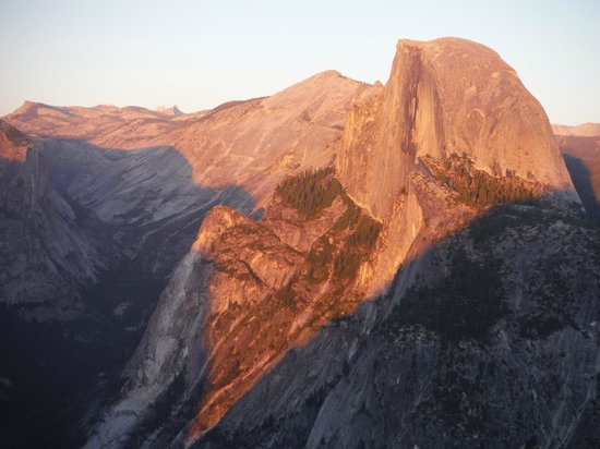 Camp 4 : View from Glacier Point to Half Dome at sunset.