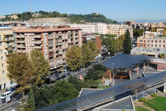 Vista della zona dall 39 alto foto di b b dolce risveglio for Affittasi ufficio zona prati roma