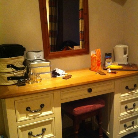 An Mordros Hotel : Dressing table