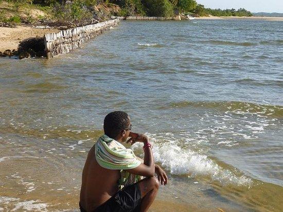 Kipungani Explorer : the beach outside the banda