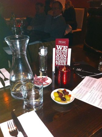 De Luca Cucina & Bar: Enjoying the night in De Luca