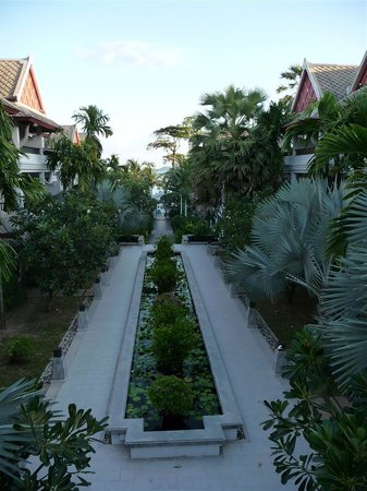 Novotel Samui Resort Chaweng Beach Kandaburi: Main walk path to the beach
