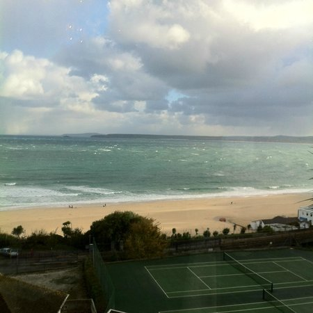 St. Ives Harbour Hotel & Spa: View from restaurant