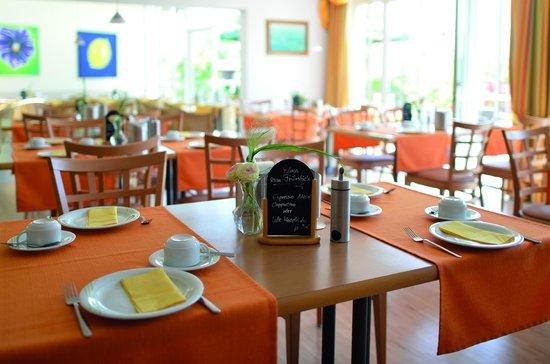 Arcus Hotel Garni: Gemütlicher Frühstücksraum