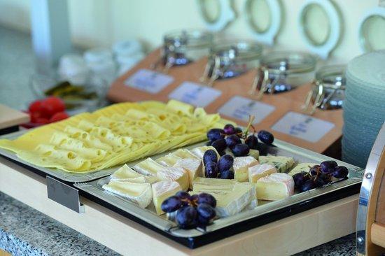 Arcus Hotel Garni: Auswahl am Frühstücksbuffet