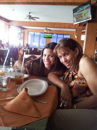 Restaurant Tiuna CA: Madre e hija