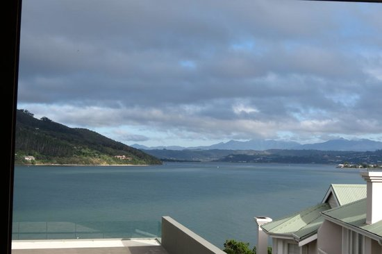 Augusta Bay: The veiw of Knysna Estruary from Augusta National Room
