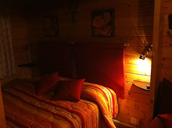 Etna Hut bed and breakfast: Chalet America