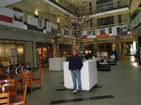 Mandela Rhodes Place Hotel: Lobby do Hotel