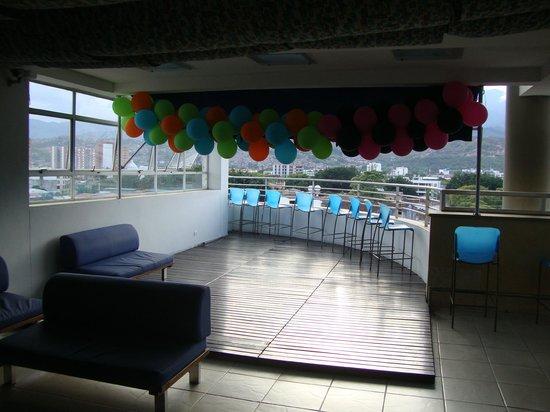 Sercotel Toscana Plaza Hotel: Área de festas e bar na cobertura