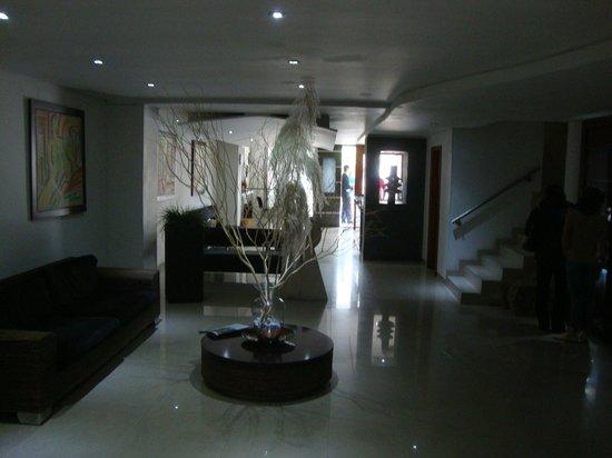 Toscana Plaza Hotel: Lobby