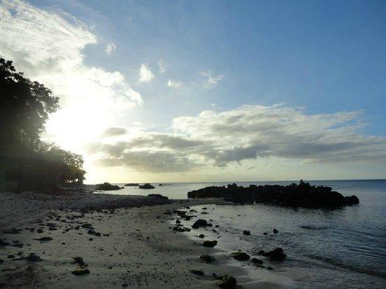 Maritim Resort & Spa Mauritius: Strand im Sonnenuntergang