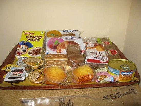 Affittacamere Alba : Vassoio di prodotti per la colazione