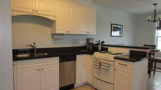 The Gables of PEI Resort: King Villa Kitchen